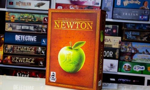 NEWTON // Bilder vom Spielmaterial