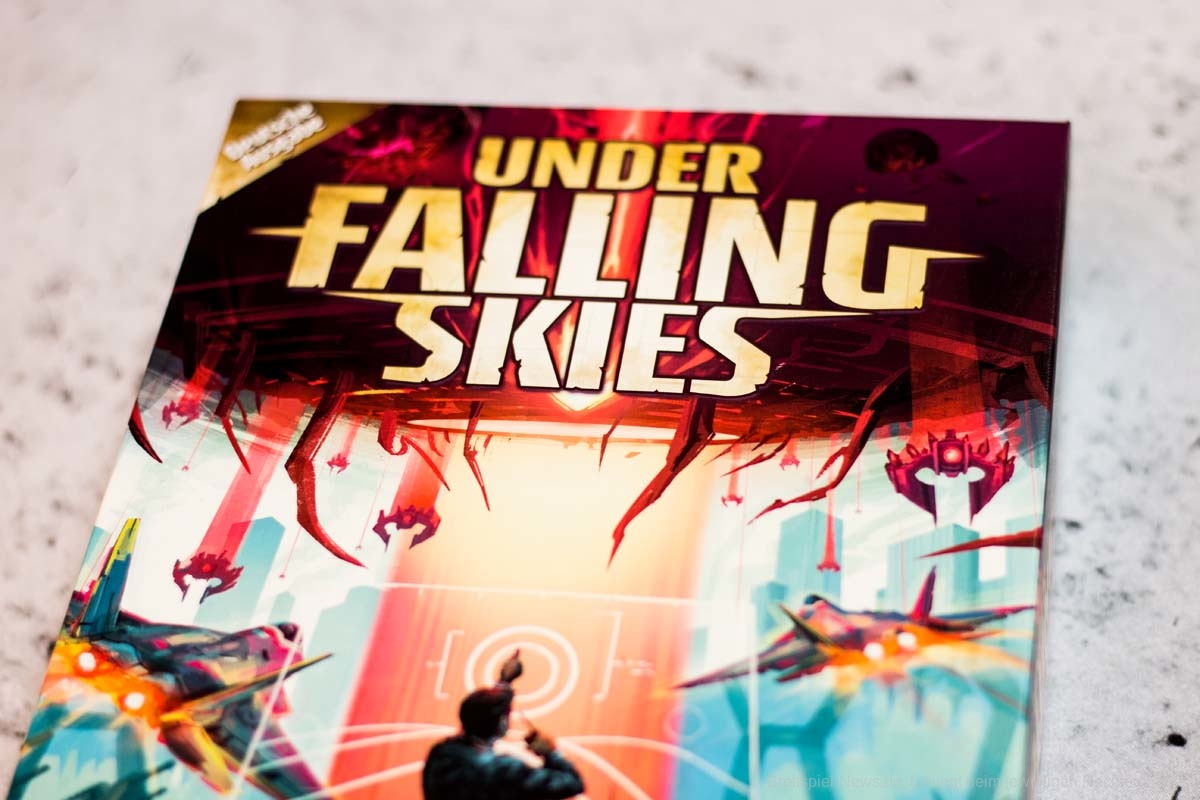 UNDER FALLING SKIES // Bilder des Spiels