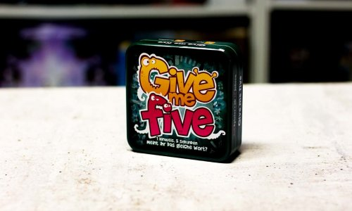 TEST // GIVE ME FIVE